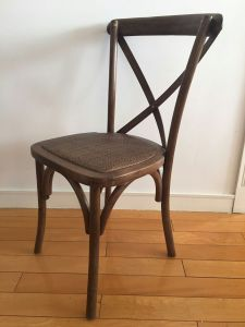 Stackable Rustic Oak Wood Cross Back Chairs for Wedding Venues pictures & photos