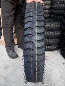 Best Price TBB Bias Truck Tyre with Tube 650-14 pictures & photos