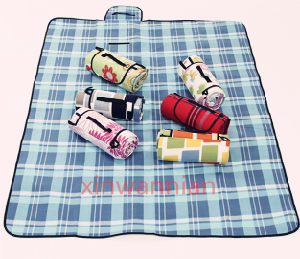 High Quality Picnic Waterproof 100% Polyester Fleece Blanket with Handle (XWN-YC010)