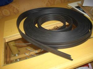 Extruded Rubber Seal Sealing Rubber Strip pictures & photos