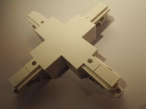 Wholesales 3 Circuits Cross Shape Connector for LED Lighting (XR-565) pictures & photos