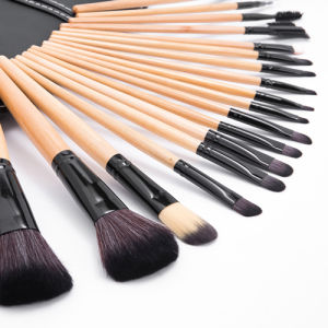 18PCS Cosmetic Makeup Brush Kit with Pouch Bag pictures & photos