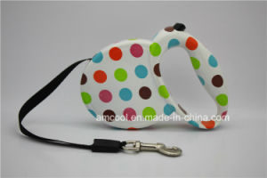3m Dog Leash Nylon Automatic Retractable Dog Leash with Waste Bag Dispenser pictures & photos