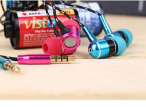 New Design Flat Wire Earphone pictures & photos