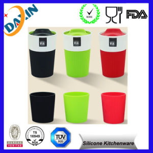 Customized Silicone Coffee Cup Sleeve pictures & photos