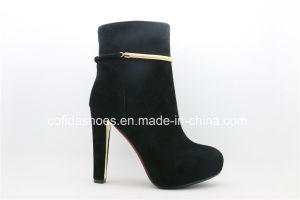 Europe Simple Fashion Comfort Women Ankle Boots pictures & photos
