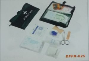 Travel First Aid Kit with Basic Medical Equipment (DFFK-025) pictures & photos