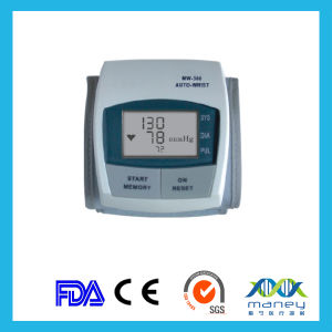 High Quality Ce Approved Automatic Wrist Type Digital Blood Pressure Monitor pictures & photos