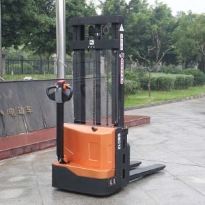 Factory Price 1.2ton Battery Operated Powered Pallet Electric Stacker (CDD12) pictures & photos