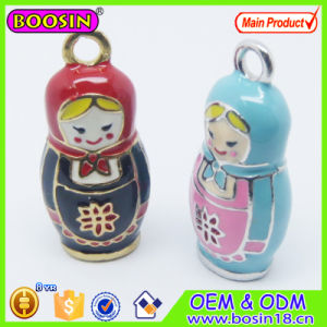 Custom Wholesale Cute Silver Alloy Enamel Russia Dolls Pendant pictures & photos