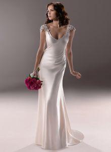 2014 Elegent Ivory V-Neck Beading Beach Satin Wedding Dress (SCL-WD035)