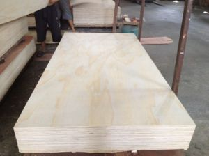 Higer Grade Radiata Pine Plywood for Furniture (1220X2440mm) pictures & photos