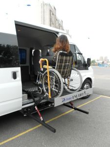 Wheelcjair Elevator for Van for The Disabled pictures & photos