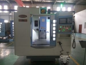 High-Speed Vertical Drilling and Tapping Machine Center (TV-700) pictures & photos