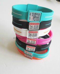 Promotional Embossed Silicone Bracelet pictures & photos
