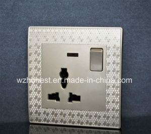 BS Certificate Coc Approved 13A electric Socket pictures & photos