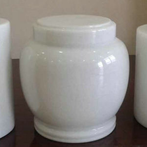 Crystal White Marble Cemetery Urns on Sale pictures & photos