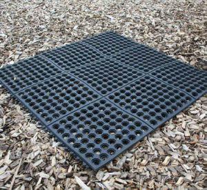 Outdoor Recycled Hollow Ring Door Floor Rubber Holes Mats pictures & photos