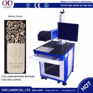 CO2 Wood Leather Paper Laser Engraving Machine for Greeting Card pictures & photos