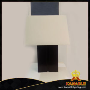 Modern White Lamp Shade Hotel Bedside Table Light (JT13051/00/001) pictures & photos