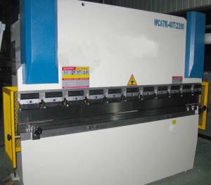 Hydraulic Bending Machine (WC67Y 40T2200) pictures & photos