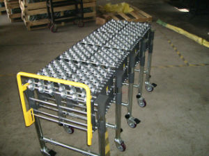 Skate Wheel Flexible Conveyor/ Roller Conveyor/Extendable Conveyor pictures & photos