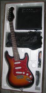 Wholesale Factory Price Colour Strat Electric Guitar Pack Set pictures & photos