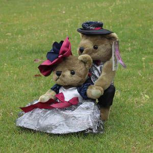 Teddy Bear Handbund and Wife