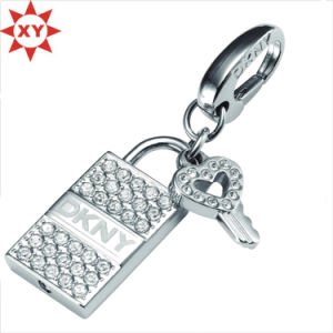 Eco-Friendly Custom Metal Keychain Rings Wholesale for Gift pictures & photos