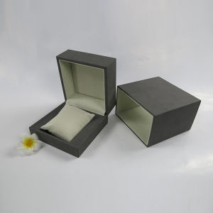 Bracelet Packaging Hinge Box with Velvet Sleeve pictures & photos