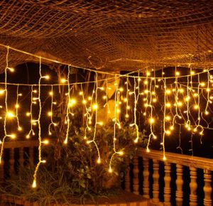Holiday Decoration Indoor Hanging 144 LED Fairy Icicle String Light pictures & photos
