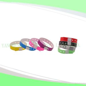 Hospital Plastic Wristband Bands (8070) pictures & photos