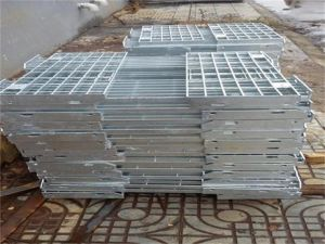 Tec-Sieve Steel Bar Grating Stair Treads (T1, T2, T3 and T4) pictures & photos