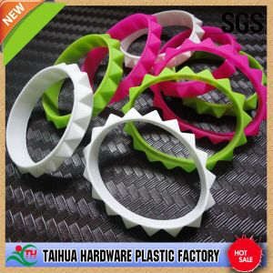 Special Cheap Bulk Toothed Silicone Wristband (TH-692) pictures & photos