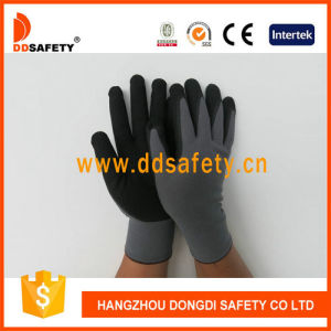 Ddsafety 2017 Grey Nylon Black Nitrile Glove pictures & photos