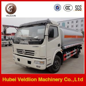 Mobile Oil Refueling Truck with Fuel Dispensing Tanker pictures & photos