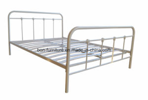 Kent Metal Double Bed/ 4′6′′ Metal Bed pictures & photos