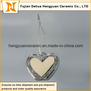 Heart-Shaped Electroplated Ceramic, Ceramic Pendants for The Christmas Tree pictures & photos
