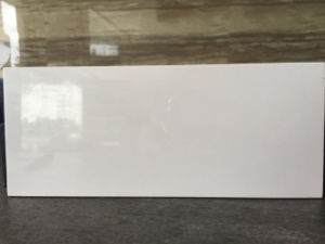 Super White 5.5mm Thickness Thin / Lamina Porcelain Tile pictures & photos