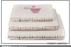 Thick Cartoon Quality Dog Sofa Beds Mats Design Pet Pads pictures & photos