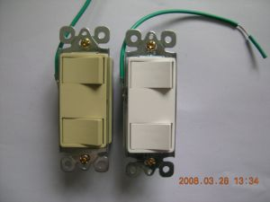 15 AMP, 120/277 Volt, Decora Two Single-Pole AC Combination Switch, Commercial Grade, UL Listing pictures & photos