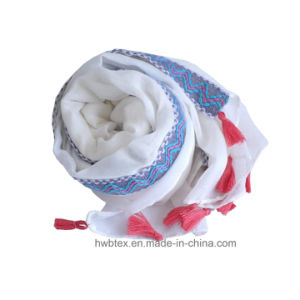 Top Quality Plain Color Cotton Lady Scarf with Lace (HWBC31) pictures & photos