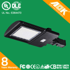 120W 8 Years Warranty Top Quality Solar Power LED Street Light UL/Dlc/Ce/SAA Approved LED Parking Lot Light