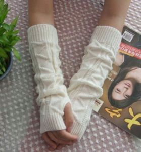 Knitted Long Sleeve Glove for Winter pictures & photos