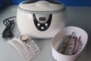 600ml Plastic Denture Jewelry Ultrasonic Cleaner with Digital Timer pictures & photos
