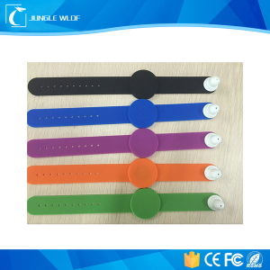 Popular Waterproof Silicone RFID NFC Wristbands with Cheap Price pictures & photos