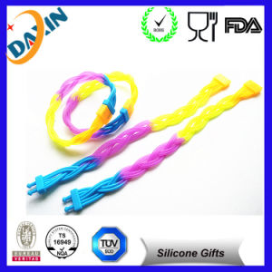 Promotional Fashion Thin Rubber Bracelet Silicone Wristband pictures & photos