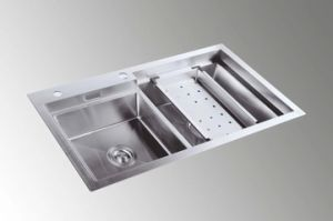 Model Handmade Stainless Steel Kitchen Sink (8145S) pictures & photos