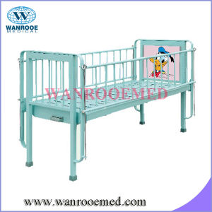 Single Crank with Cartoon Picture Pediatric Hospital Bed pictures & photos