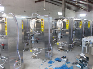 Sachet Small Bag Filling Liquid Packing Machine pictures & photos